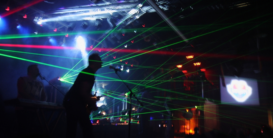 Infinity's Lighting and Sound fills the senses with wonder, an amazing audio and visual experience !!